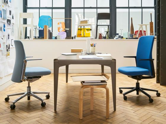 Vitra - Pacific Chair - 02