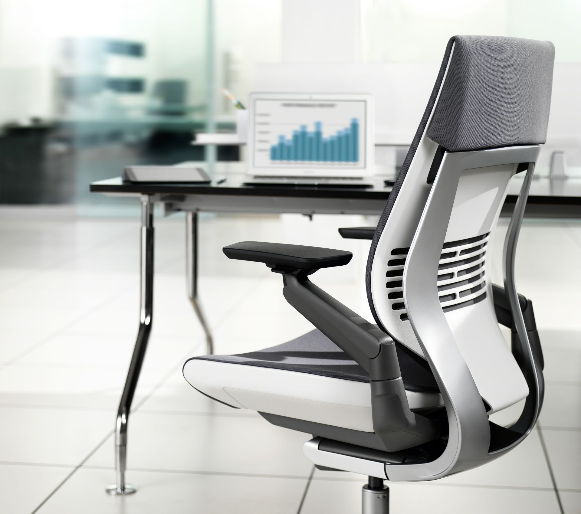 Right Cogency: Gesture Task Chair