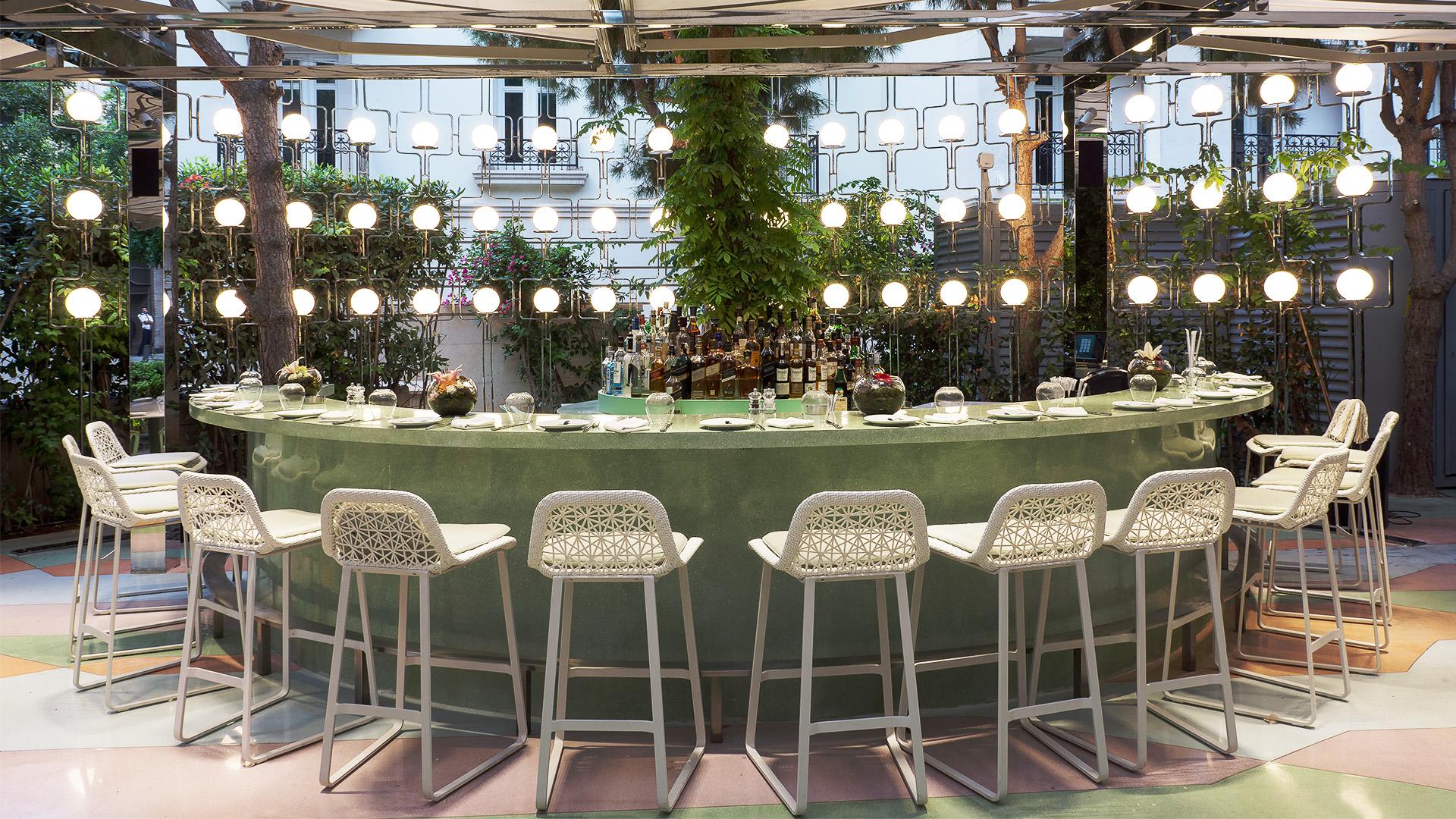 Poltrona Morgana Floral Bw Line.Restaurant Designs Quartier Chic Beirut Love That Design
